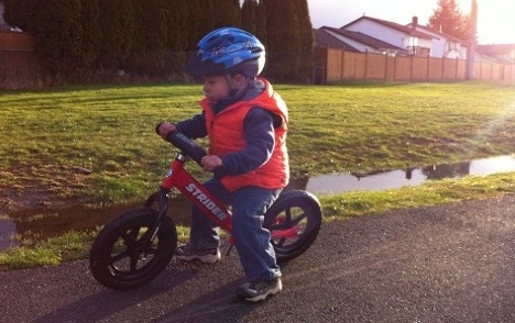 how to ride a balance bike